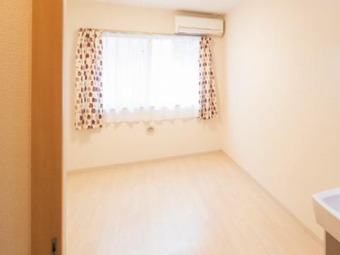 清潔感あふれる安心の居室